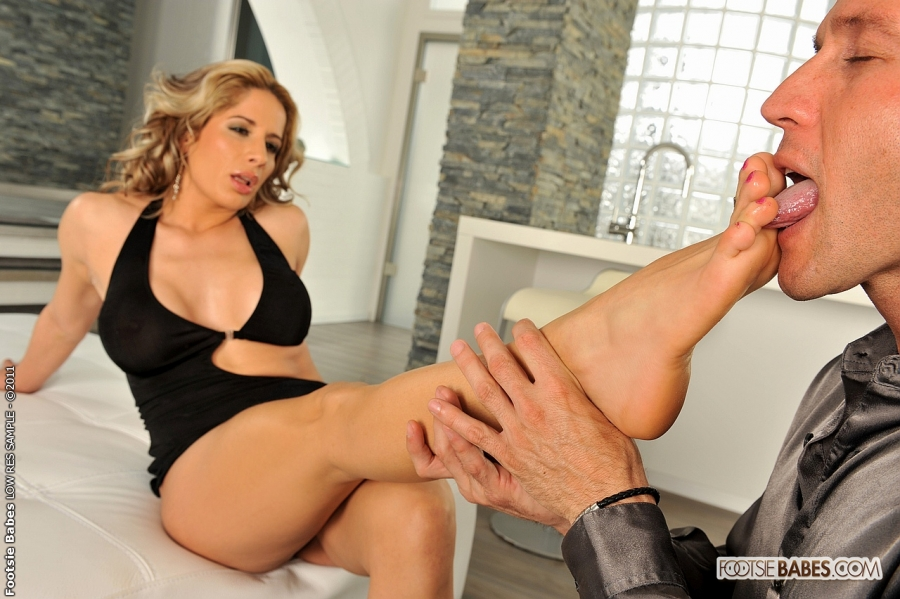 Sensual foot sex monique woods