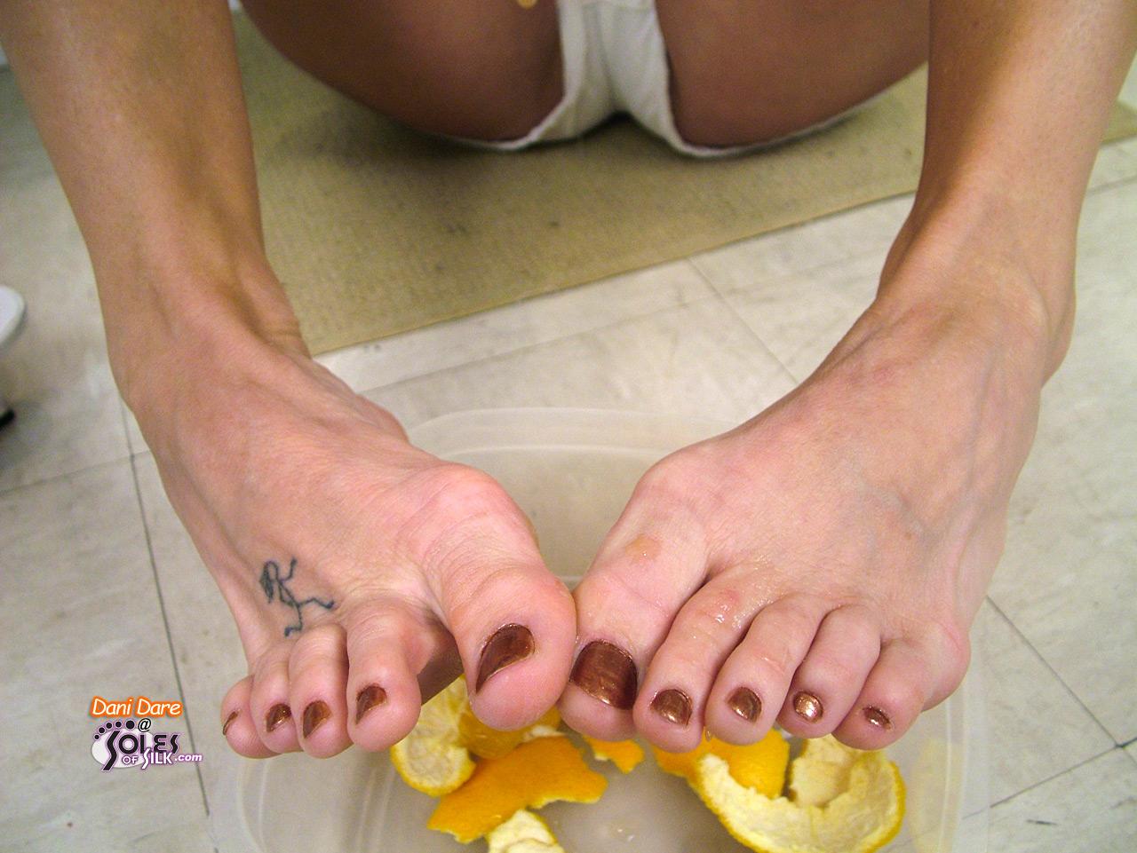 Canadian milf dani dare fingers her holes in nylon 10