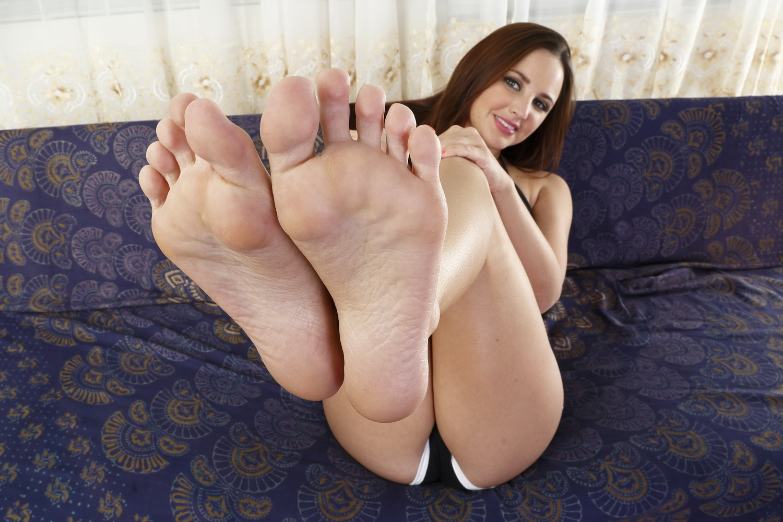 Фут фетиш красивые ножки, Извращенский фут фетиш с похотливыми зрелыми 22 фотография