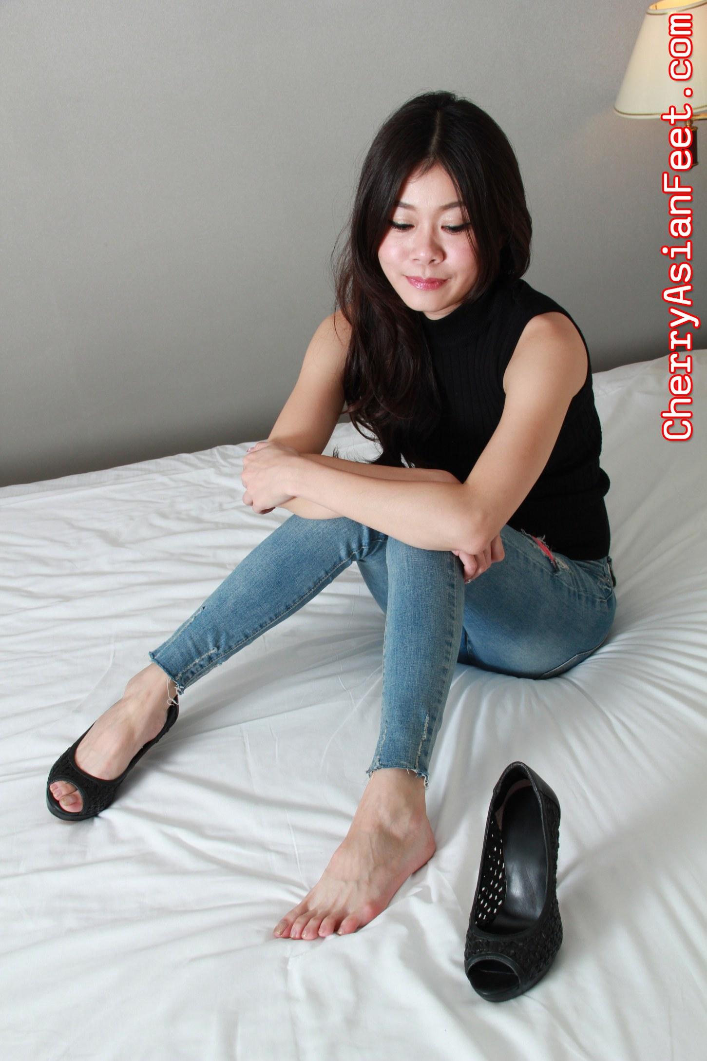 Cherry asian feet kiki