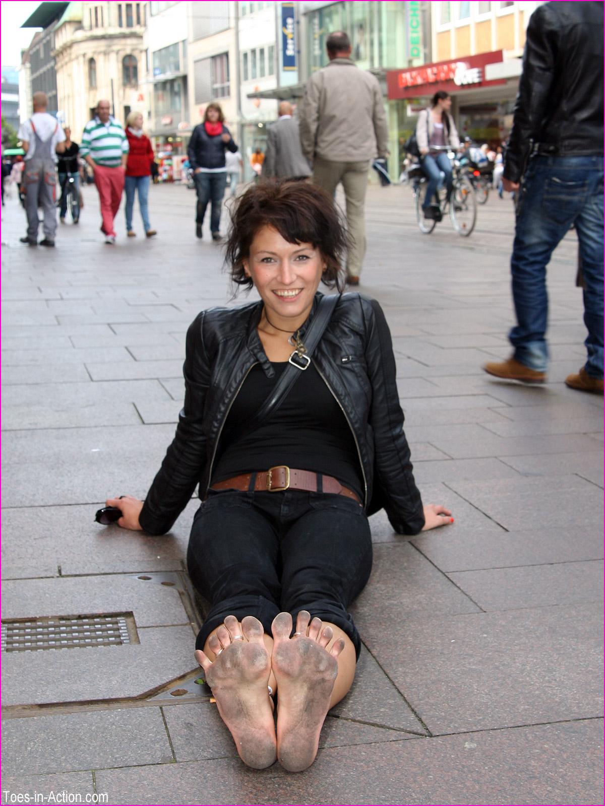 Wu's Feet Links - Dirty Soles Shopping Spree