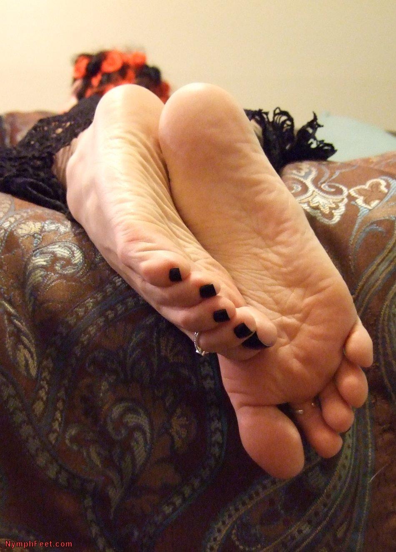 Girl strap on porn